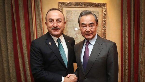Dışişleri Bakanı Mevlüt Çavuşoğlu, Çin Dışişleri Bakanı Vang Yi ile bir araya geldi. - Sputnik Türkiye