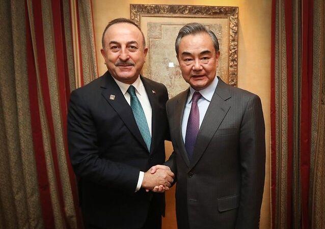 Dışişleri Bakanı Mevlüt Çavuşoğlu, Çin Dışişleri Bakanı Vang Yi ile bir araya geldi.