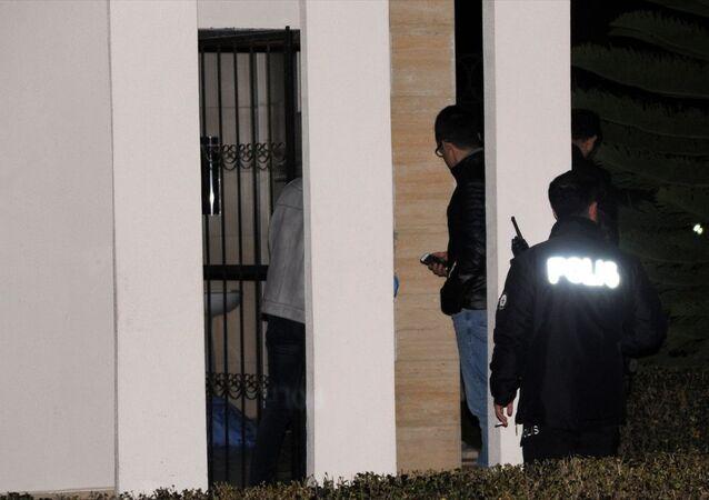 Antalya'da bir kişi cami tuvaletinde ölü bulundu