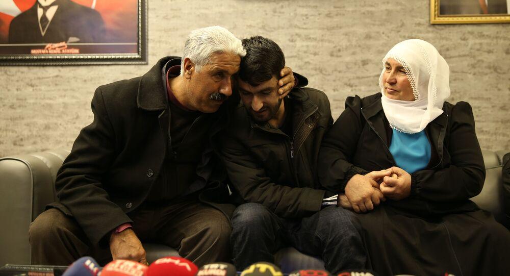 6 yıl sonra oğluna kavuşan baba: Suçun yoksa dışarı çıkarsın, Türk adaletine güven