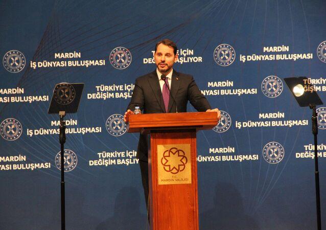 Hazine ve Maliye Bakanı Berat Albayrak, Mardin Atatürk Kültür Merkezi'nde düzenlenen Mardin İş Dünyası ile Buluşma programında konuştu.