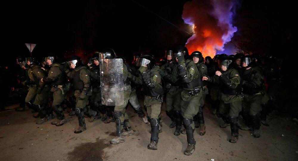 Ukrayna'da,yeni tip koronavirüs (Kovid-19) salgını nedeniyleÇin'in Vuhan kentindekiUkraynalıların ülkeye getirilişiprotesto edildi.