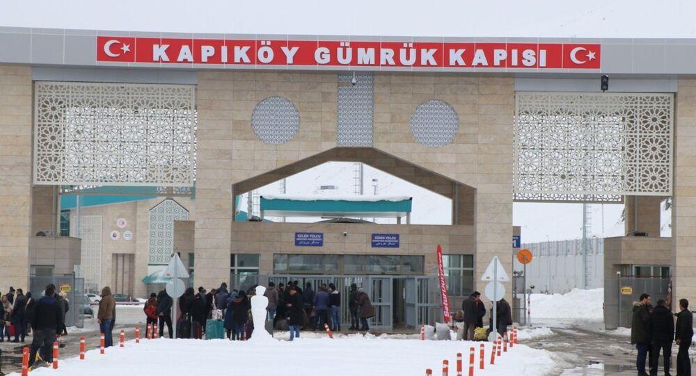 İran'dakoronavirüs sebebiyle 5 kişinin hayatını kaybetmesinin ardından Kapıköy Gümrük Kapısı'na kamera yerleştirildi