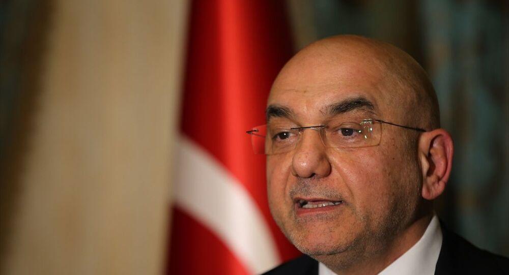 Avusturya Cumhuriyeti nezdinde Türkiye Cumhuriyeti Büyükelçiliğine atanan Ozan Ceyhun, büyükelçi olarak atanmasının ardından bazı basın yayın organlarında hakkında yer alan iddialara ilişkin gazetecilere açıklamalarda bulundu.