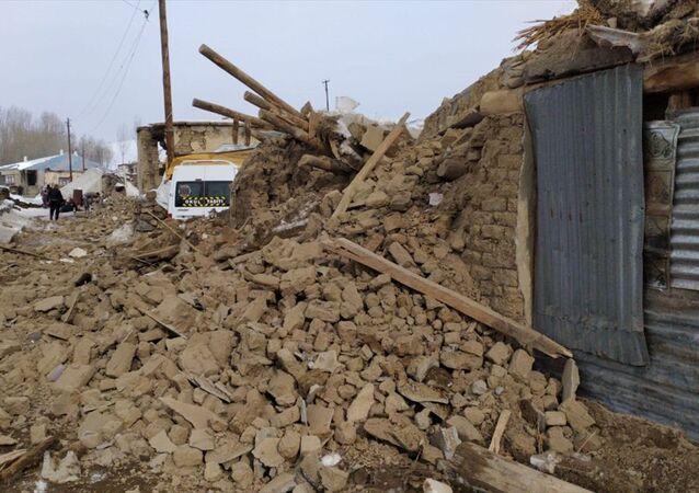 İran'daki 5.9'luk deprem Van'da da hissedildi.