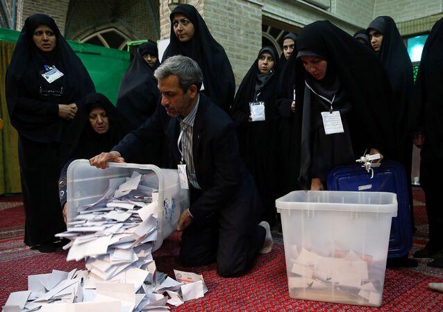 İran'daki parlamento seçimleri