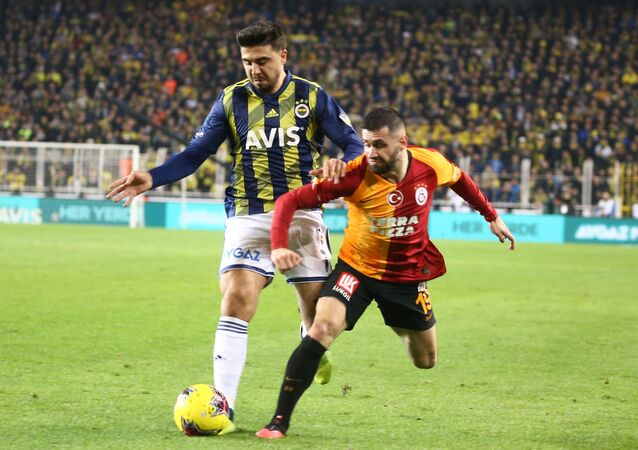 Galatasaray'ın başarılı futbolcusu Ömer Bayram, Fenerbahçe maçında Ryan Donk'un golünde yaptığı asist ile ligde 9 asistine ulaştı.