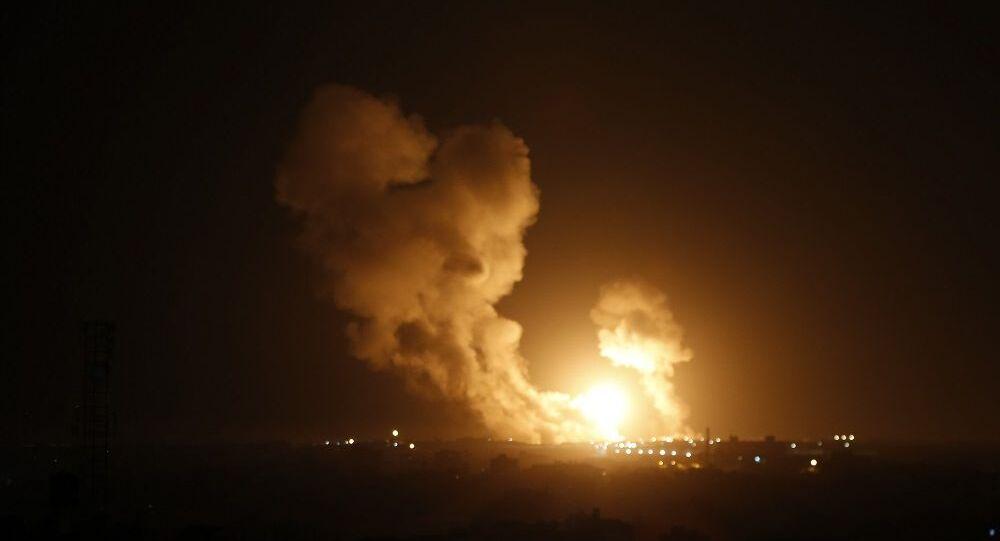 Gazze'den İsrail'e 20 roket atıldı