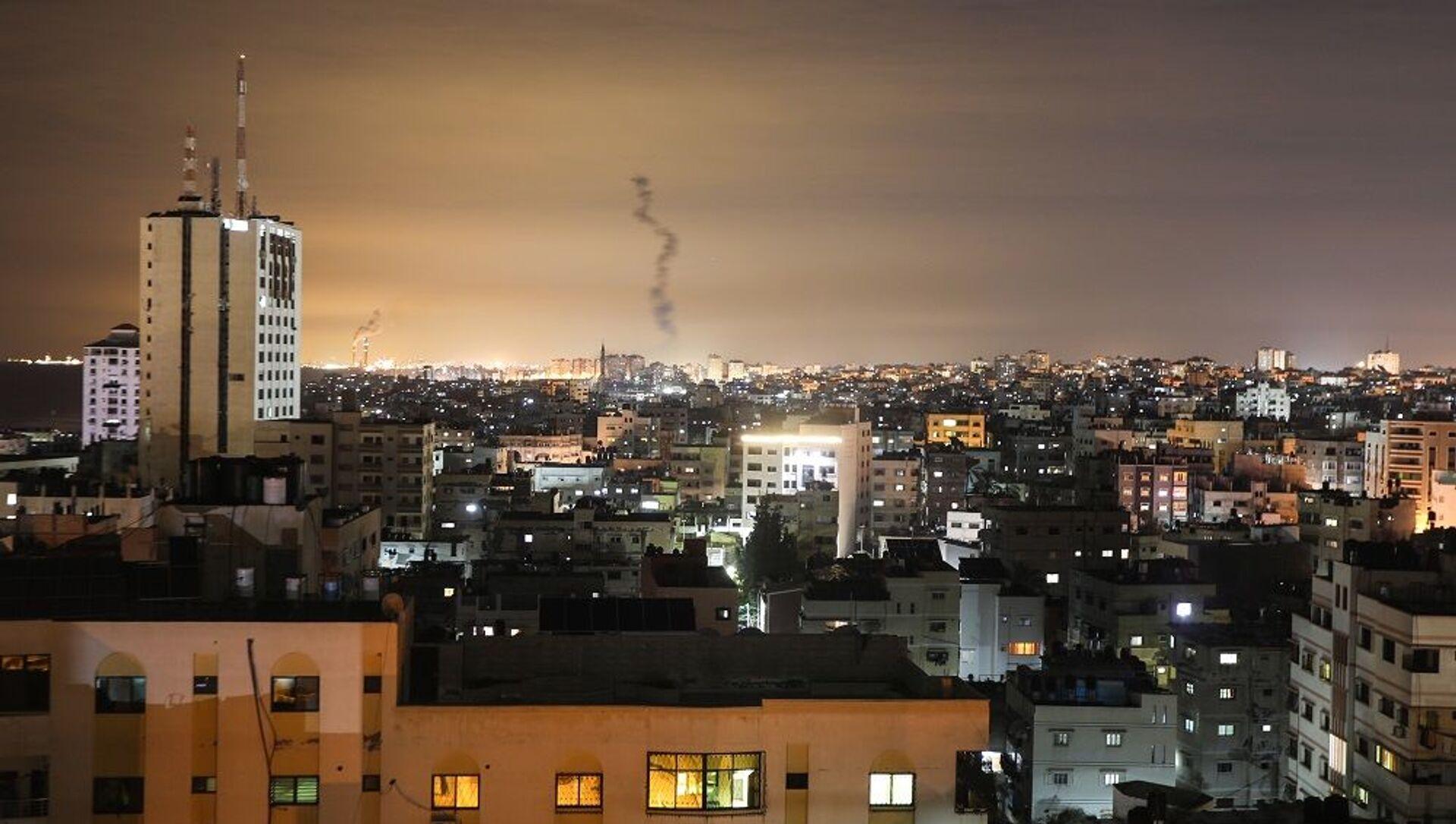 Gazze'den İsrail'e 20 roket fırlatıldı - Sputnik Türkiye, 1920, 26.04.2021