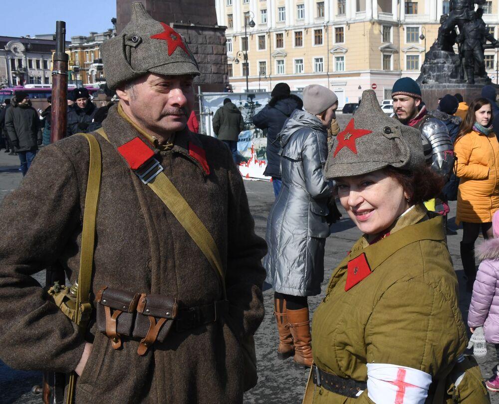 Ruslar ilk kez Kızıl Ordu'nun kuruluş yıldönümünü 23 Şubat 1919'da kutladı.