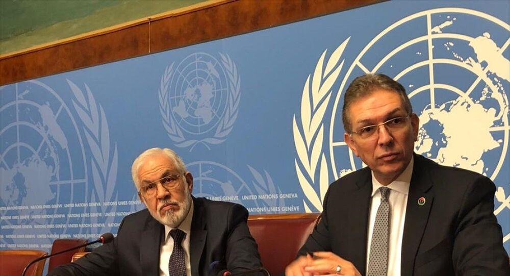 Libya Ulusal Mutabakat Hükümeti (UMH) Dışişleri Bakanı Muhammed et-Tahir Seyyale (solda), Birleşmiş Milletler (BM) İnsan Hakları Konseyi'nin 43. oturumu için geldiği İsviçre'nin Cenevre kentinde basın toplantısı düzenledi.
