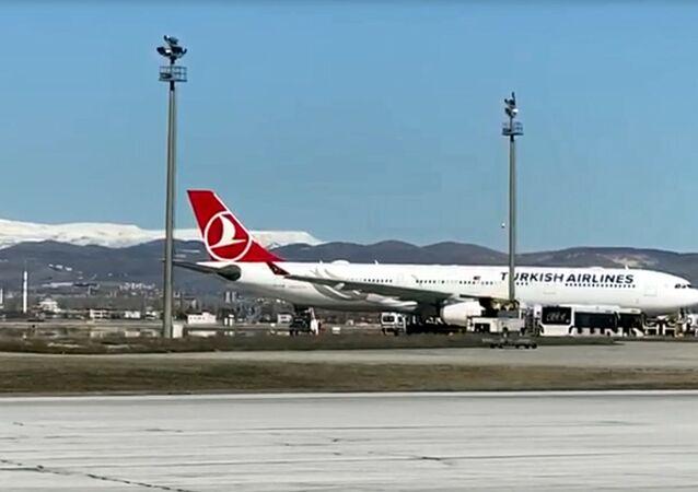 Tahran uçağında koronavirüs şüphesi