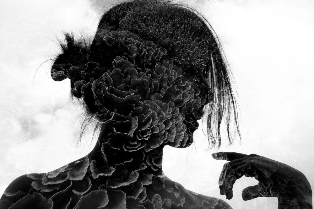 Yarışmanın Siyah& Beyaz kategorisinde birincilik kazanan Singapurlu fotoğrafçı Mok Wai Hoe'nin Layered Thoughts isimli görüntüsü.