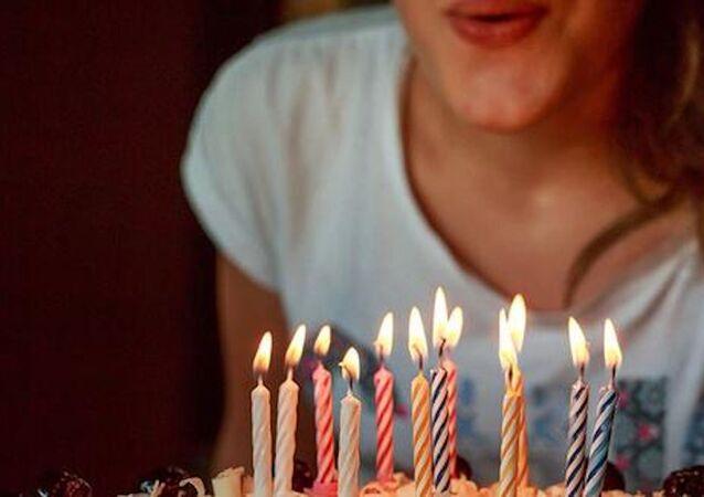 Doğum günü pastası, doğum günü, mum üfleme