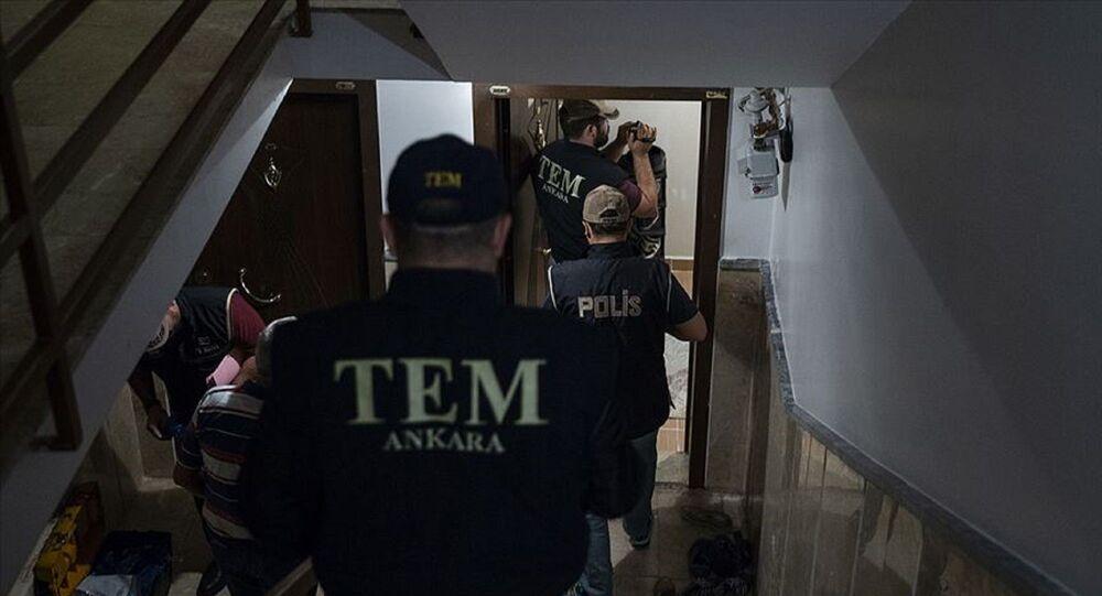 Ankara'da IŞİD'e yönelik operasyonda, haklarında gözaltı kararı verilen 10 zanlıdan 9'u yakalandı.
