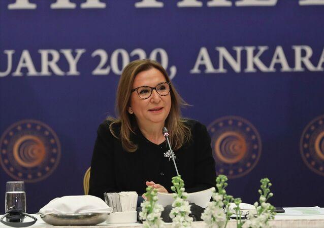 """Ticaret Bakanı Ruhsar Pekcan, Ankara'da bir otelde düzenlenen """"AB Büyükelçileri İle Kahvaltı Buluşması"""" programına katıldı. Bakan Pekcan, programda konuşma yaptı."""