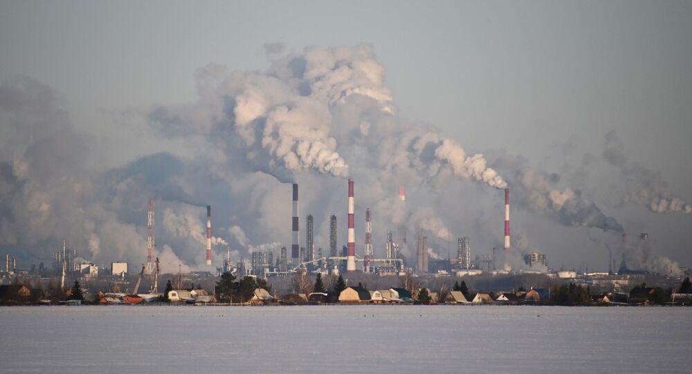 Rusya'nın Sibirya bölgesinin Omsk kentinde Gazprom Neft'in petrol rafinerisi