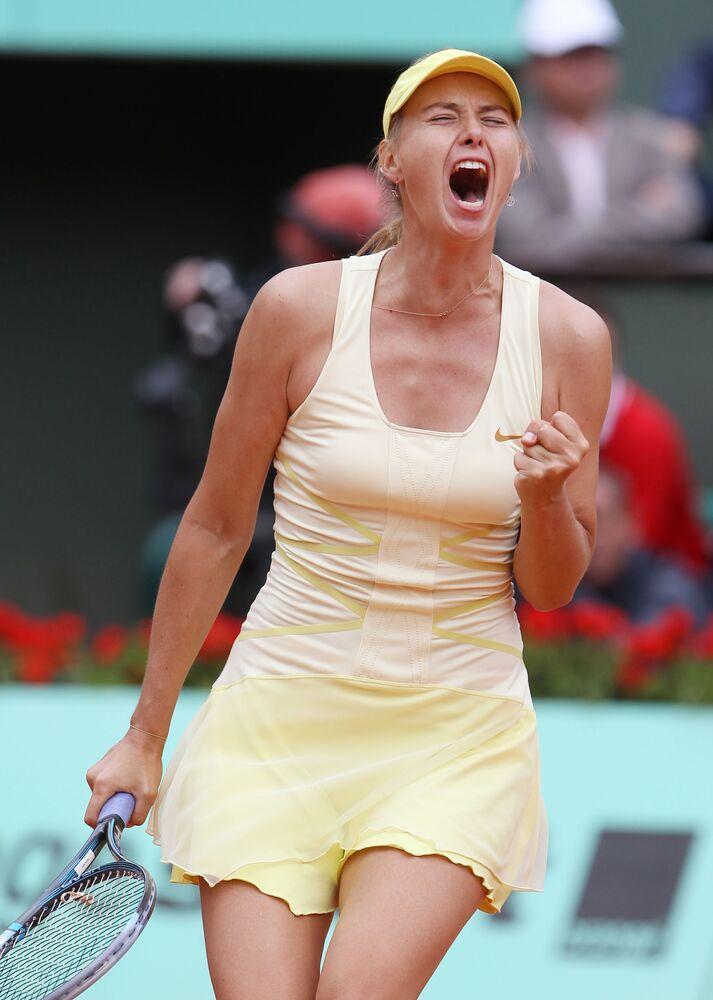 Tek kadınlarda eski dünya 1 numarası Şarapova, kariyeri boyunca 2004 Wimbledon, 2006 ABD Açık, 2008 Avustralya Açık, 2012 ve 2014 Fransa Açık şampiyonlukları yaşamıştı.