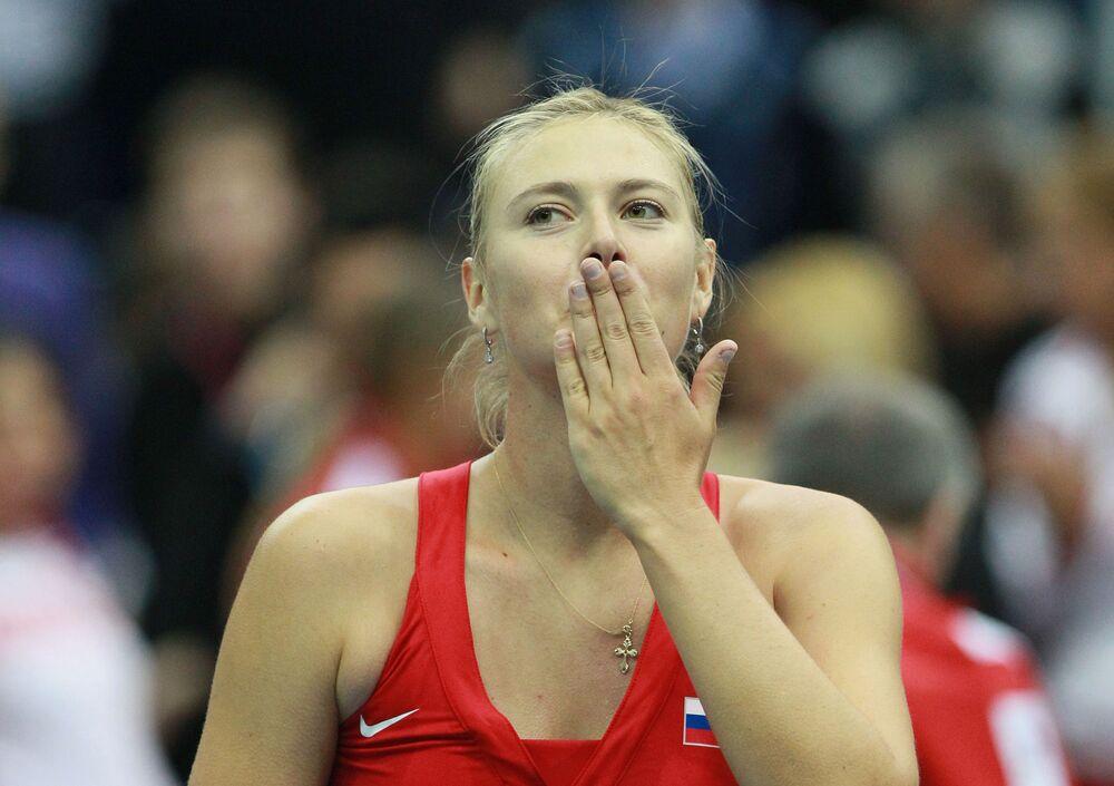 İlk Grand Slam şampiyonluğuna 2004'te henüz 17 yaşında Serena Williams karşısında ulaşan Rus tenisçi, Kadın Tenisçiler Birliği (WTA) organizasyonlarında ise 35 tekler zaferi elde etti.