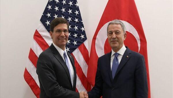 Milli Savunma Bakanı Hulusi Akar ve ABD Savunma Bakan Vekili Mark Esper  - Sputnik Türkiye