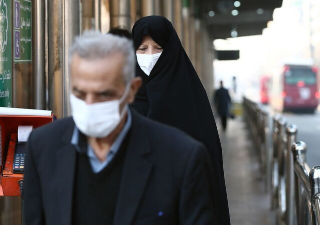 İran'da 300 bin ekiple evlerde sağlık taramasına başlanacak