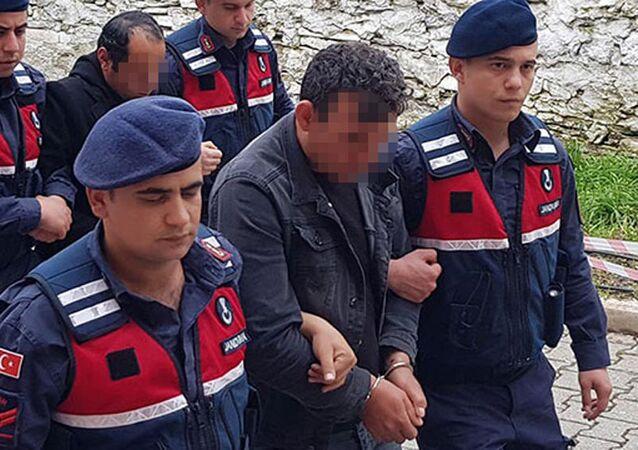 Manisa'da 2 kuzen, kız çocuklarına cinsel istismardan tutuklandı