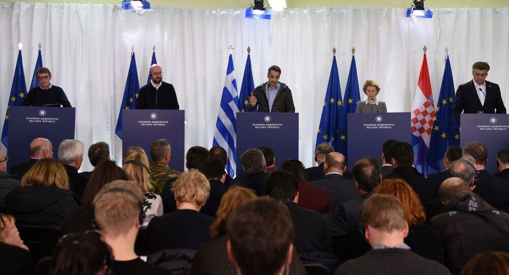 David-Maria Sassoli, Charles Michel, Kyriakos Miçotakis, Ursula von der Leyen ve Hırvat Başbakan Andrej Plenkovic, Yunanistan'ın Türkiye sınırındaki basın toplantısında