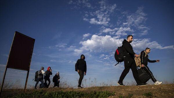 Göçmen, sığınmacı, mülteci, Edirne-Yunanistan - Sputnik Türkiye