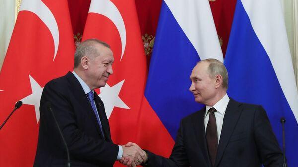Türkiye Cumhurbaşkanı Recep Tayyip Erdoğan ile Rusya Devlet Başkanı Vladimir Putin - Sputnik Türkiye