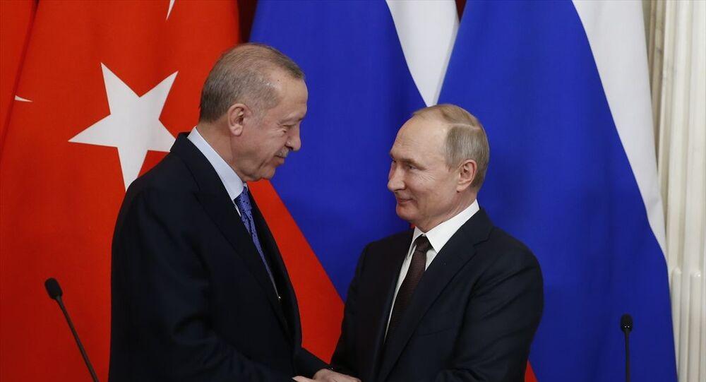 Türkiye Cumhurbaşkanı Recep Tayyip Erdoğan ile Rusya Devlet Başkanı Vladimir Putin, Kremlin Sarayı'ndaki baş başa ve heyetler arası görüşmenin ardından ortak basın toplantısı düzenledi.