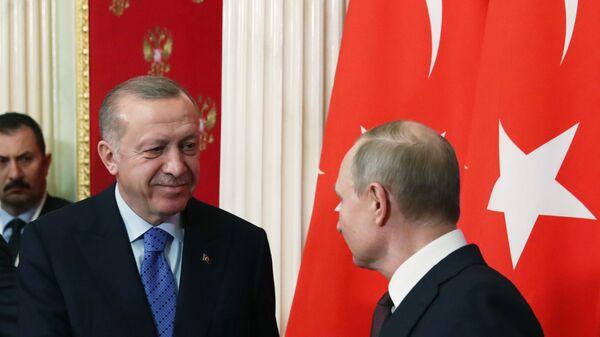 Moskova'da Cumhurbaşkanı Recep Tayyip Erdoğan ve Rusya Devlet Başkanı Vladimir Putin başkanlığında düzenlenen zirve - Sputnik Türkiye