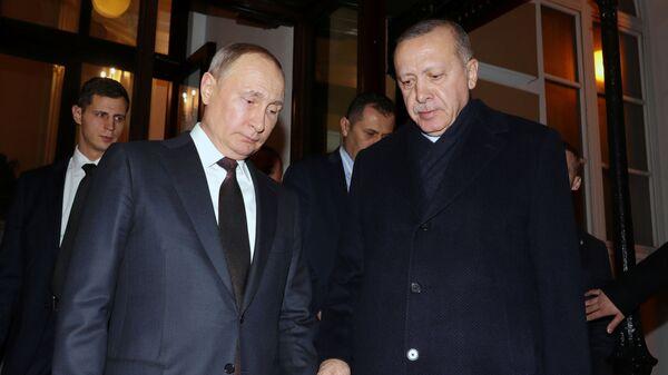 Recep Tayyip Erdoğan ve Vladimir Putin: Moskova'daki zirvenin bitiminde - Sputnik Türkiye