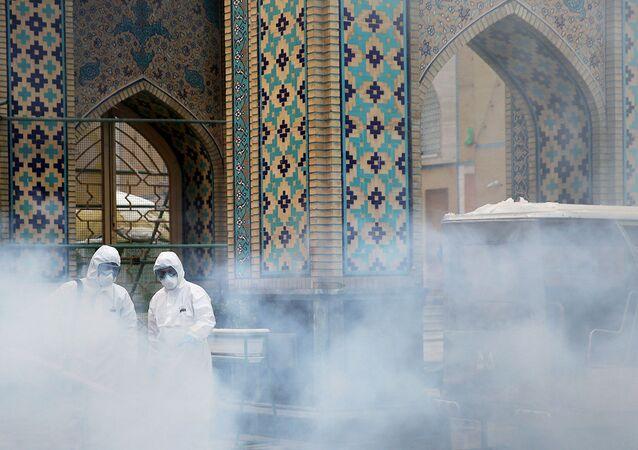 İran'ın Meşhed kentinde yer alan, Oniki İmam'ın sekizinci imamı olan İmam Rıza'nın türbesi