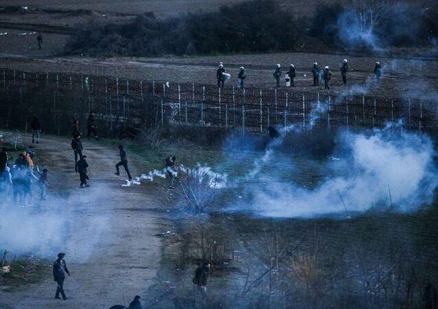 Yunanistan sığınmacılara biber gazıyla müdahale etti