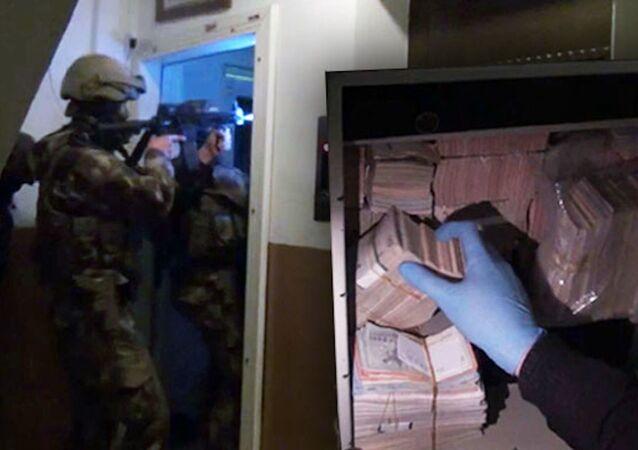 İstanbul'da dev operasyon: Kasalar dolusu para ve ziynet eşyası ele geçirildi