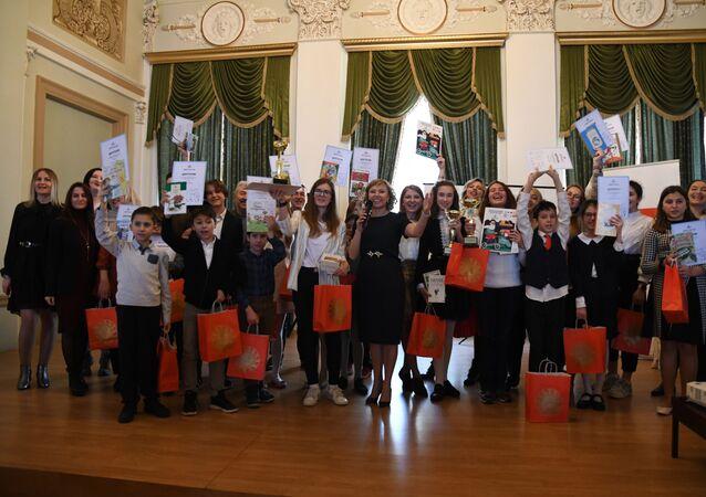 Rusya'nın İstanbul Başkonsolosluğu'nda 'Yaşayan Klasikler' yarışması düzenlendi.