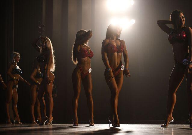 Sibirya Vücut Geliştirme Şampiyonası'ndan bir kare
