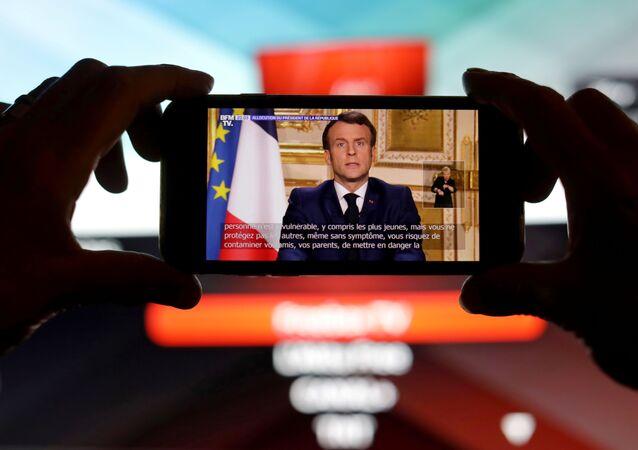 Macron'dan koronavirüs açıklaması