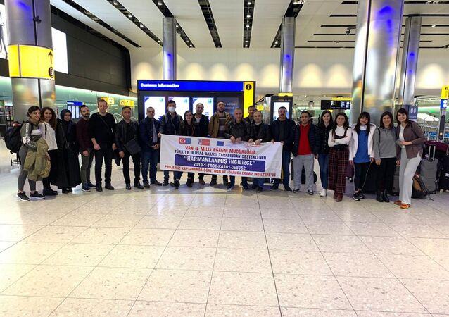 Van'dan bir AB projesi kapsamında Londra'ya giden 21 kişilik Türk öğretmen ve idareci heyeti,