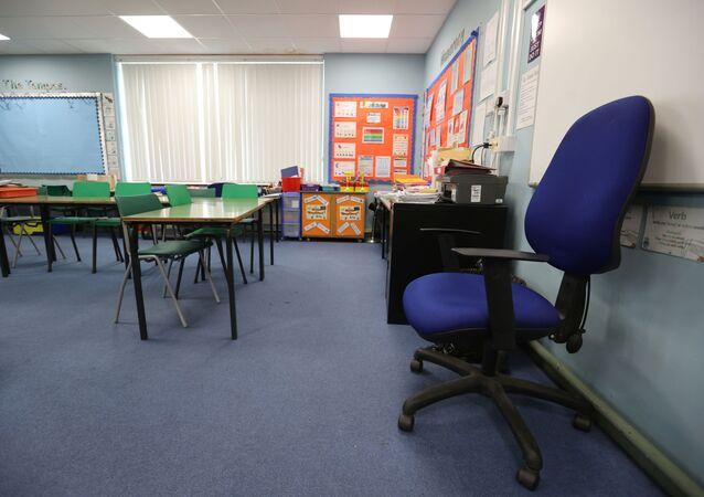 İngiltere-koronavirüs-okullar