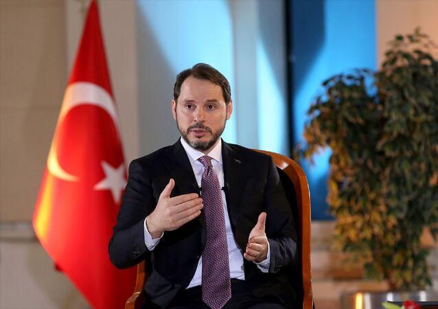 Hazine ve Maliye Bakanı Berat Albayrak Anadolu Ajansı Özel Yayını'na katılarak gündeme ilişkin değerlendirmelerde bulundu.