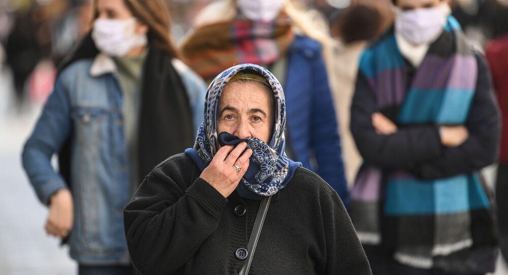 Türkiye - İstanbul - yaşlı - koronavirüs - maske