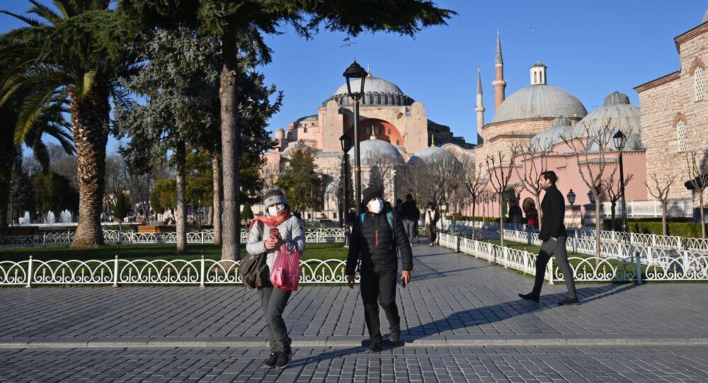 Koronavirüs - Türkiye - İstanbul - maske