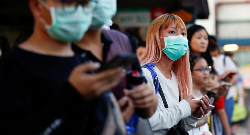 Malezya ulusal karantina ilan etmeden önce Singapur'a geçmeye çalışan yolcular