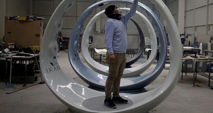 Konya'da, Ar-Ge çalışmaları yürüten bir firma, turizm otelcilik ekipmanları kapsamında ürettiği İkarus'u, Kovid-19 nedeniyle dezenfektan cihazı olarak yeniden tasarladı.