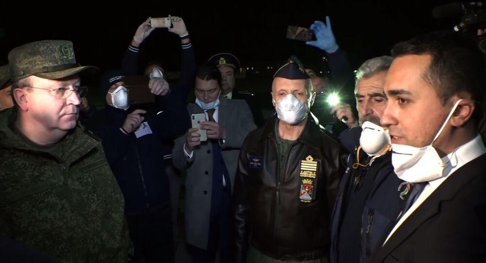 Rus askeri uzmanlar, koronavirüsle mücadeleye yardım için İtalya'da