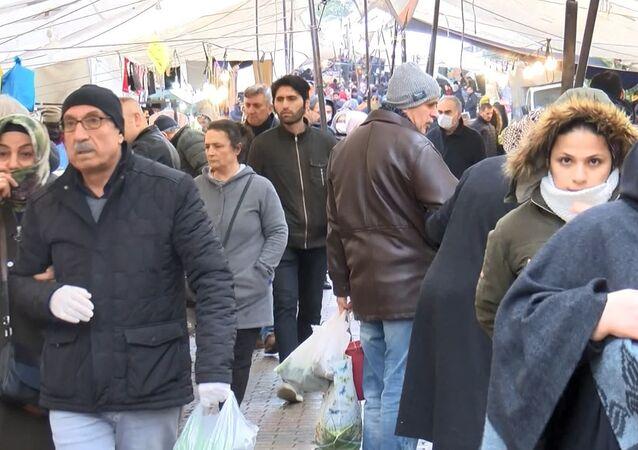 Güngören'de semt pazarı
