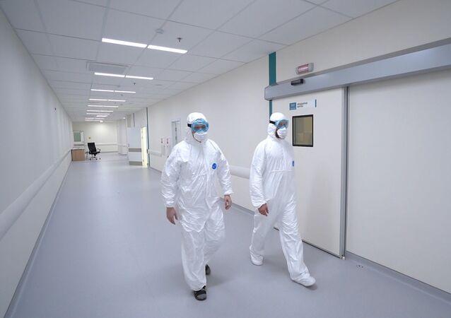 Koronavirüs hastalarının tedavi edildiği ve belirtileri taşıyan hastaların karantinada tutulduğu hastane, Rusya'da  Covid-19'a karşı yapılan mücadenin en önemli merkezlerinden biri.