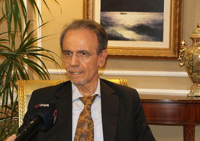 Enfeksiyon Hastalıkları Uzmanı Prof. Dr. Mehmet Ceyhan