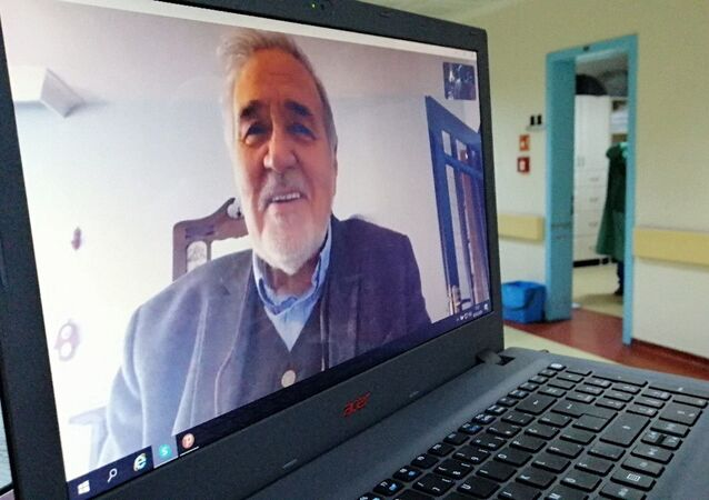 Tarihçi İlber Ortaylı, koronavirüsle mücadele eden sağlık çalışanlarıyla konuştu.